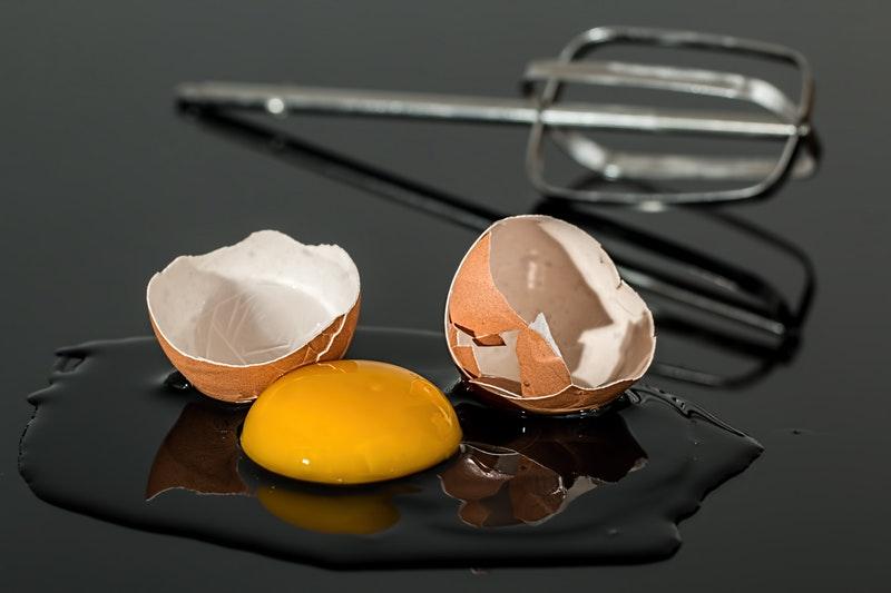 Làm đẹp da mặt với bột yến mạch và lòng đỏ trứng gà