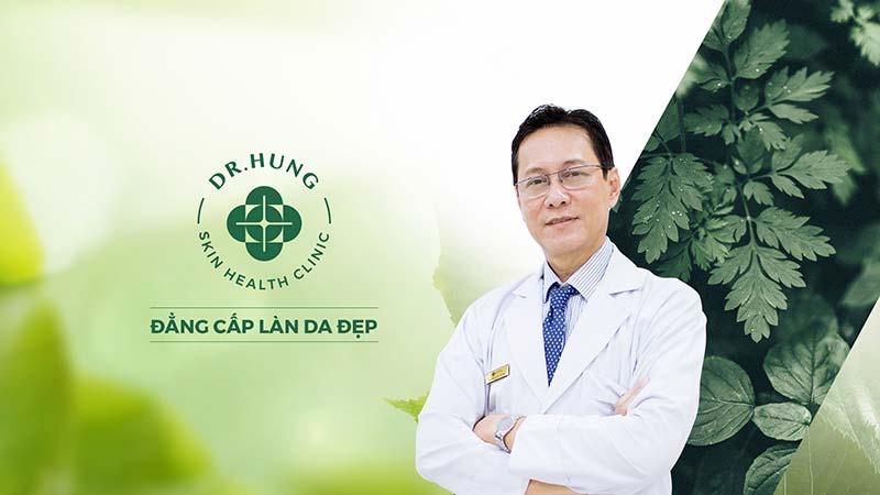 Bác sĩ Thanh Hùng nhiều năm kinh nghiệm trong việc thăm khám điều trị mụn