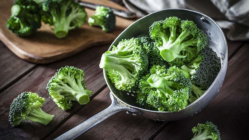 Ngăn ngừa mụn an toàn cùng với bông cải xanh