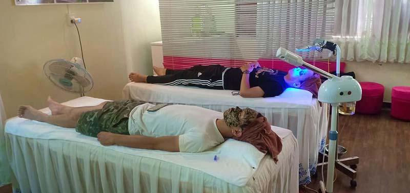 Hình ảnh điều trị mụn tại Hoàng Nguyên spa