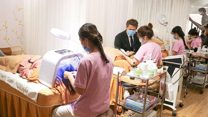 Hình ảnh điều trị mụn tại Yb spa quận 7