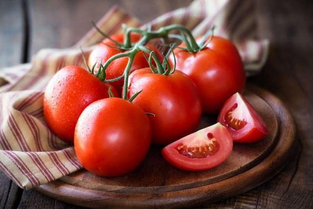 Cách điều trị nám da mặt tại nhà bằng cà chua