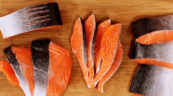 Tháng đầu mang thai nên ăn Cá hồi