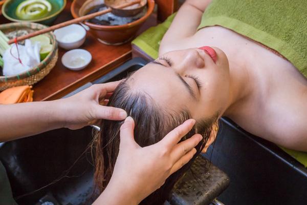 Chăm sóc tóc hư tổn nặng tại nhà